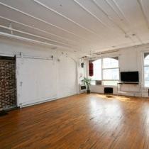 Large live room