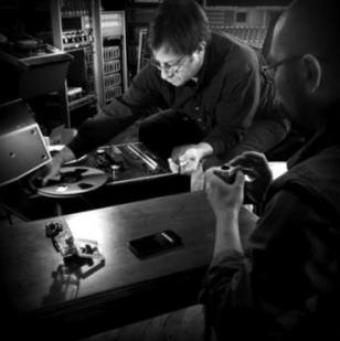 Chief engineer, Pete Mignola making tape loop for Matte Black