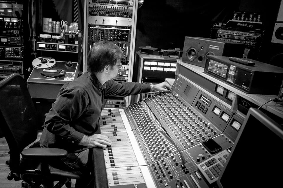 Studio Engineer, Pete Mignola
